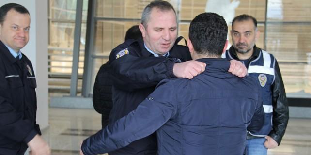Polis YDS sınavında kuş uçurtmadı