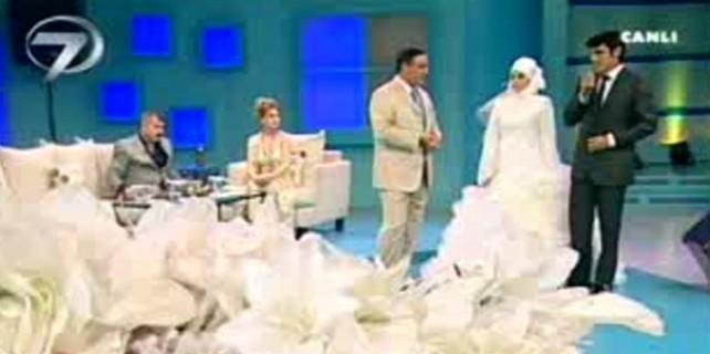 Evlenme programında evlenen çiftin yürek burkan dramı
