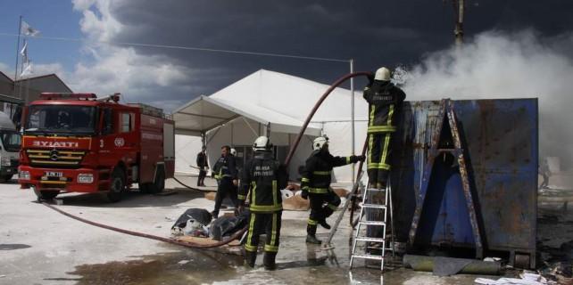 MODEF Fuarı öncesi yangın paniği
