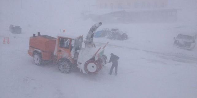 Uludağ'da kar fırtınası çıktı