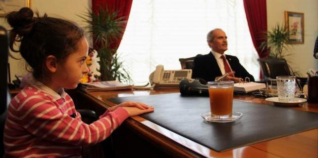 Başkan Altepe koltuğu kime bıraktı?