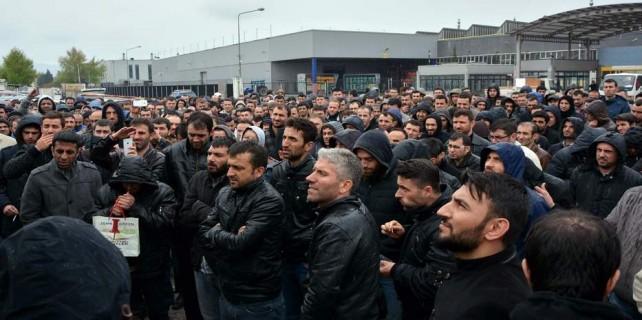 Bursa'da Renault işçileri ayaklandı