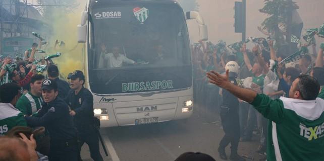 Fenerbahçe otobüsüne saldırı haberleri yalanlandı
