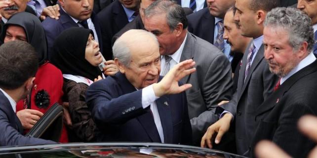 """Bahçeli Bursa'da, """"çare MHP"""" dedi"""