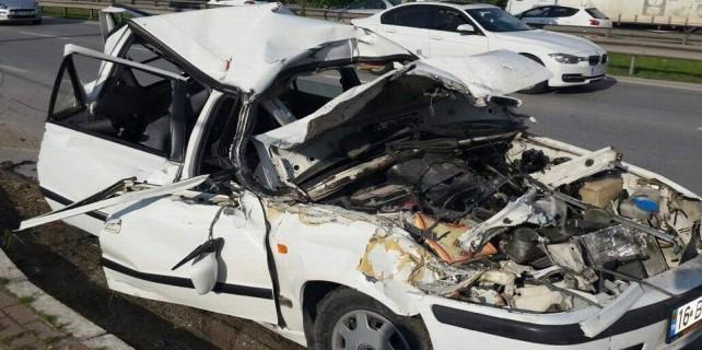 Bursa'da otomobil kağıt gibi oldu: 4 yaralı