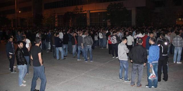Oyak Renault Fabrikası'nda üretim sabaha kadar durdu