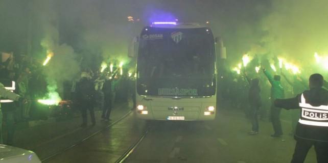 Bursaspor'un şampiyon gibi karşılanması klip oldu