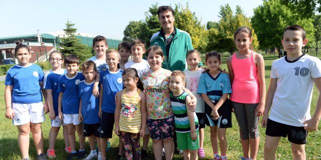 Başkan Dündar gençlerle spor yaptı
