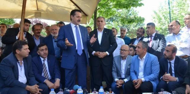 Faruk Çelik Bursa'da sahaya indi..Emek'te HDP'yi eleştirdi