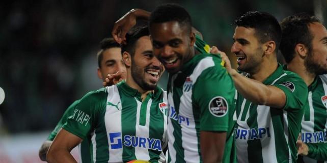 Bursa'nın 4 futbolcusu 11 takıma bedel