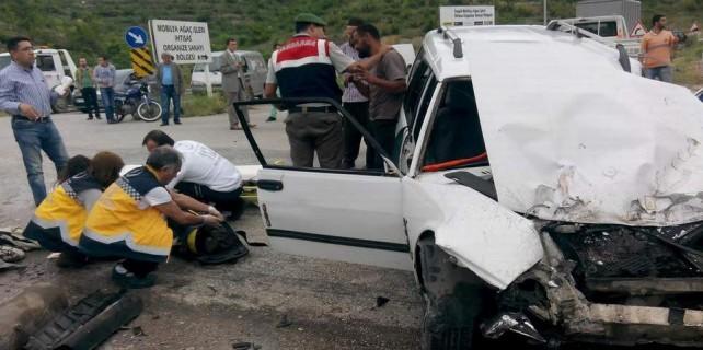Feci kaza...Tüp otomobilden fırladı