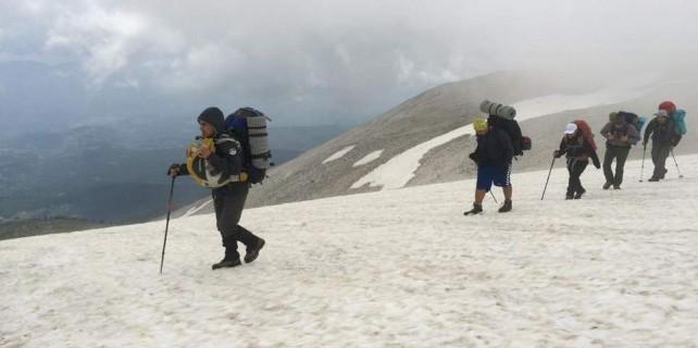 Takvimler Haziran 16...Uludağ'da kar var