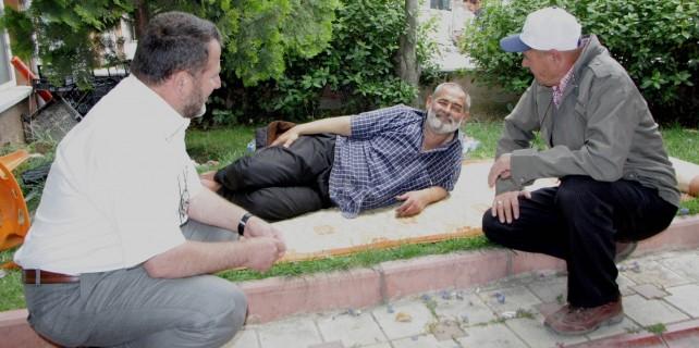 Bursa'da dram! Son günlerini parkta geçiriyor