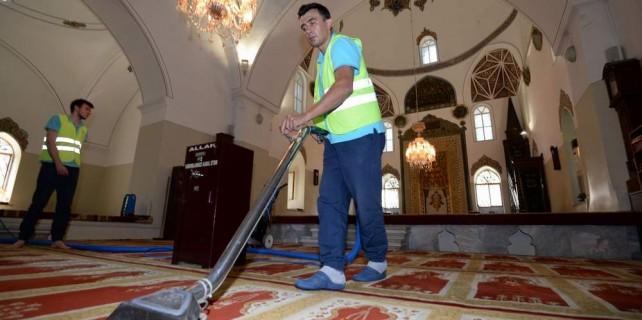 Osmangazi'de camiler gül kokuyor