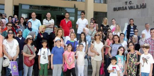 Bursa'da öğrenci velilerinden eylem