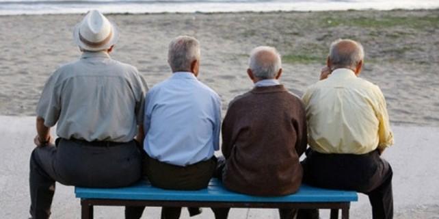 Emekliler zamlı maaşı bu ay alacaklar
