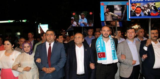 Ülkücüler Doğu Türkistan için yürüdü