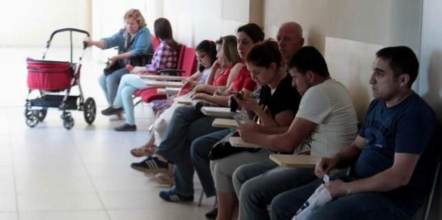 Bursalı anneler aylık 300 Euro yardıma koştu
