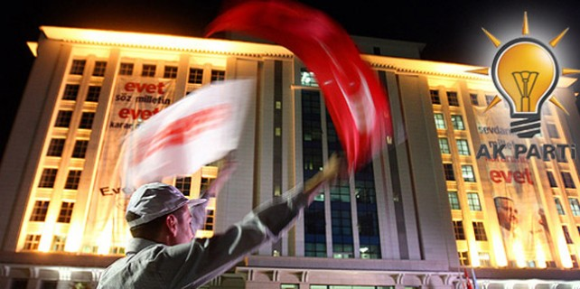 Ak Parti Bursa'da 87 bin kayıp oyu arıyor