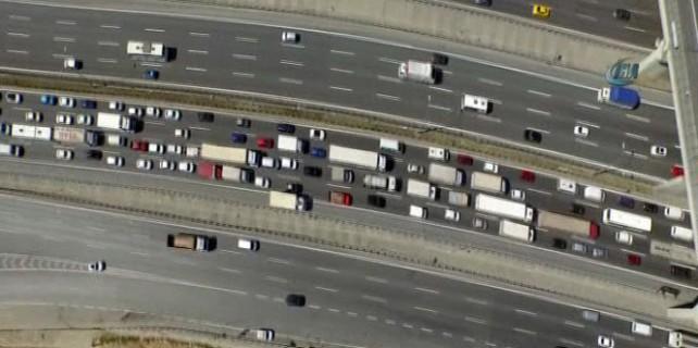 Tatil için trafik çilesi başladı