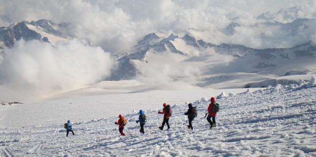 Bursalı dağcılar Avrupa'nın zirvesinde