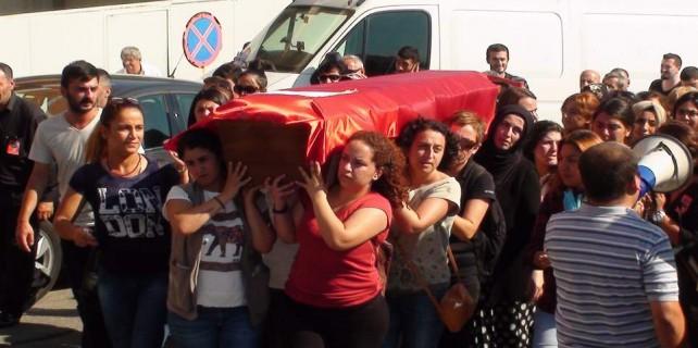 Annesinin cenazesini taşıdı...Anne oğulun cenazesi Bursa'da