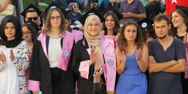 10 bin öğrenci mezun oldu