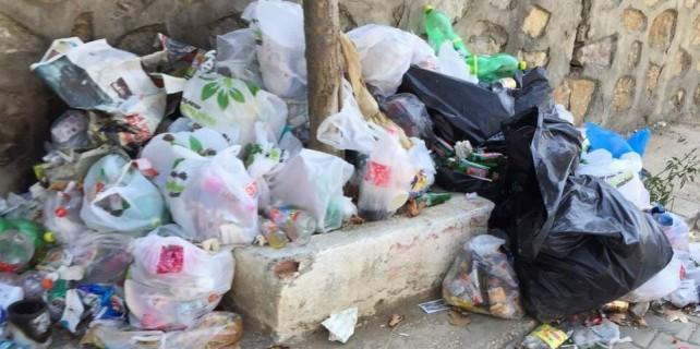 Mudanya'da çöpler toplanmıyor