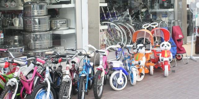 Bisiklet hırsızı güvenlik kamerasında...