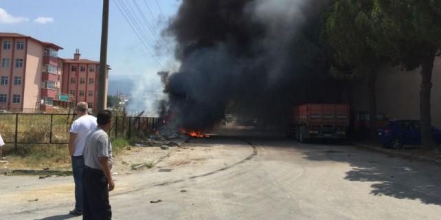2 otomobil yandı bir TIR ise son anda...