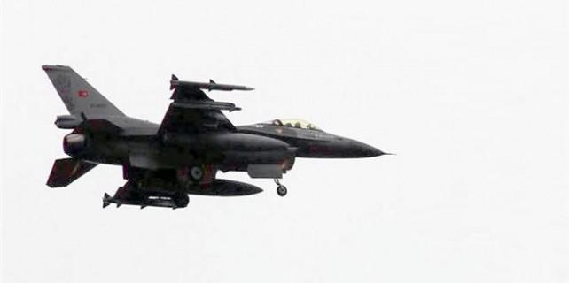 Ege ve Suriye sınırında Türk jetlerine taciz