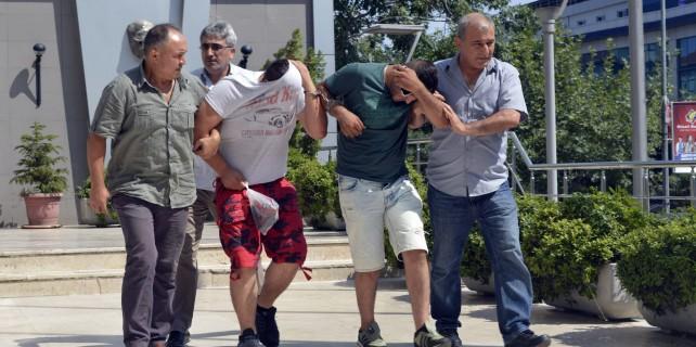 Servet hırsızları tatil yolunda yakalandılar