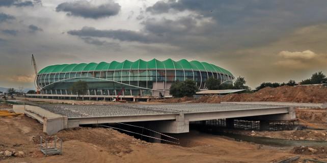 Timsah Arena ilk 2 maça yetişmiyor