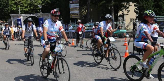 20 ilden 200 bisikletçi Bursa'da tarih için pedal çevirdi