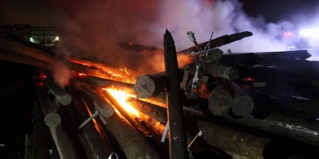 Bursa'da sabotaj...Benzin döktüler...150'si birden yandı