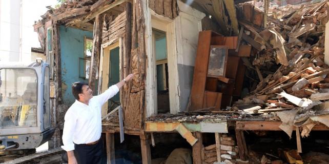 Osmangazi Metruk Yapılardan Temizleniyor