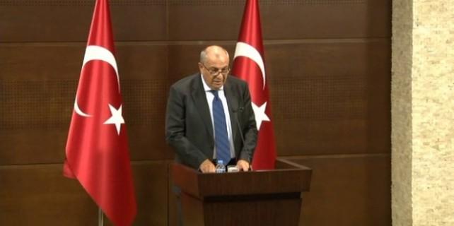 Türkeş MHP'yi bombaladı