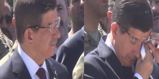 Başbakan şehitleri gözyaşlarıyla uğurladı