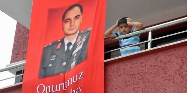 Bursa'da binlerce kişi şehidini uğurluyor