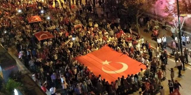 Bursa'da binlerce kişi yürüdü