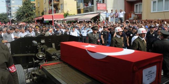 Şehidin cenazesi Bursa'da, binlerce kişi uğurladı