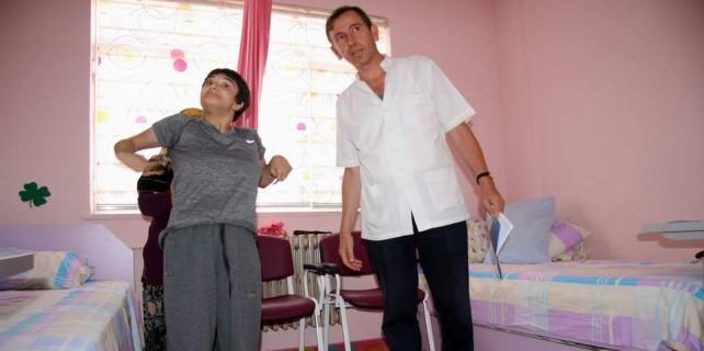 23 yıl yatalaktı...Bursa'da ilk adımları bakın nasıl attı