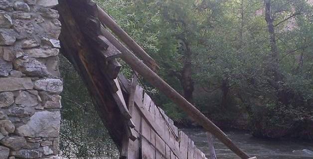 Bursa'da köprü çöktü