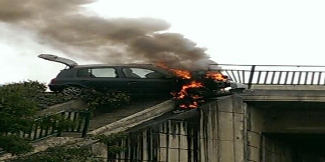Bursa'da film sahnesi gibi kaza, köprüde alev alev yandı...