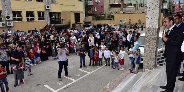 Edebali öğrencilerin ilk gün heyecanını paylaştı