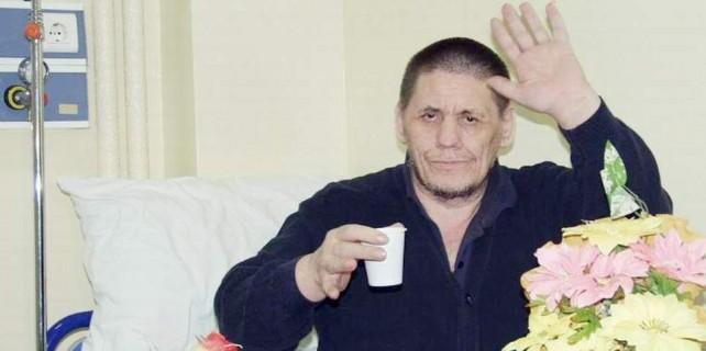 47 yıldır hastanede kalan 20 başhekim eskiten adam hastanede öldü
