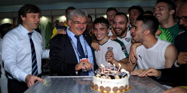 Bursaspor Başkanına sürpriz doğum günü