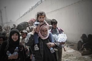 BURSAFOTOFEST'TE FOTOĞRAF YARIŞMASI SONUÇLANDI 5 KITADAN 1406 FOTOĞRAFIN KATILDIĞI 'GÖÇ' TEMALI FOTOĞRAF YARIŞMASI'NIN KAZANANLARI BELLİ OLDU