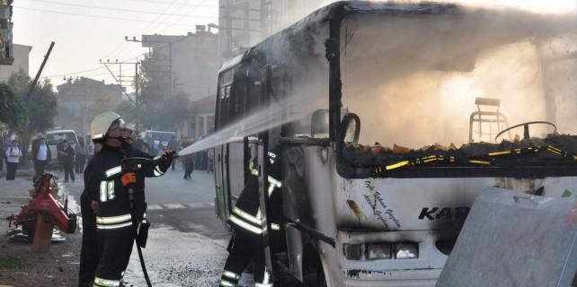 Bursa'da işçi otobüsü alev alev
