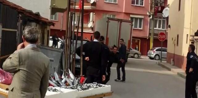 Bursa'da zabıtaya bıçaklı saldırı...